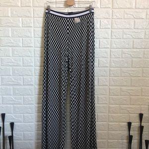 NWT Bobeau stretchy waist black & white pants